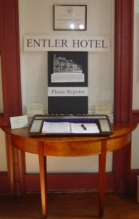 Entler Hotel Reception Desk